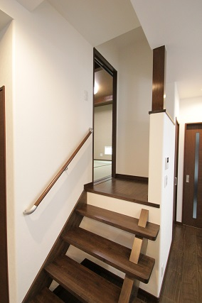 中二階階段